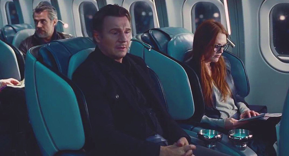 Julianne Moore and Liam Neeson in Non-Stop - Credit IMDB