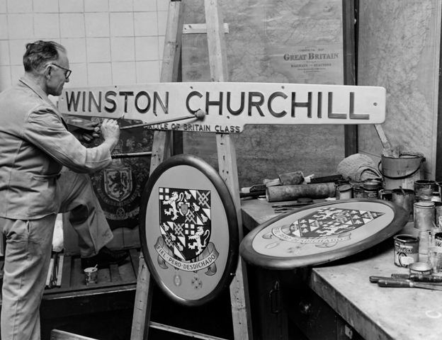 Restoration of nameplate and crest from Battle of Britain loco 'Winston Churchill'