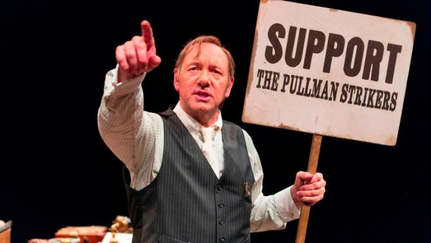 A great performance by Kevin Spacey gets a well-deserved standing ovation