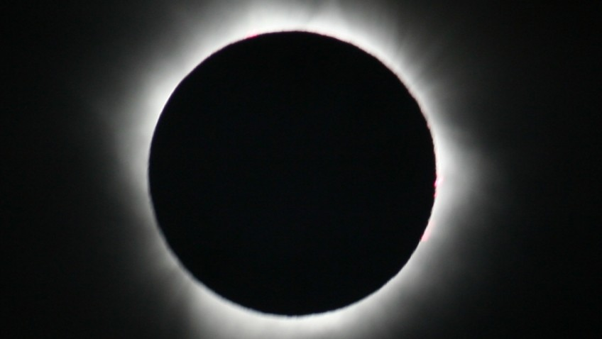 Don't turn a blind eye to the dangers of the spectacular eclipse