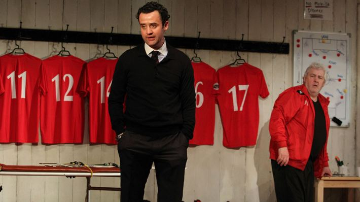 1) Daniel Mays (Kidd) and Peter Wight (Yates) in The Red Lion. Image by Catherine Ashmore