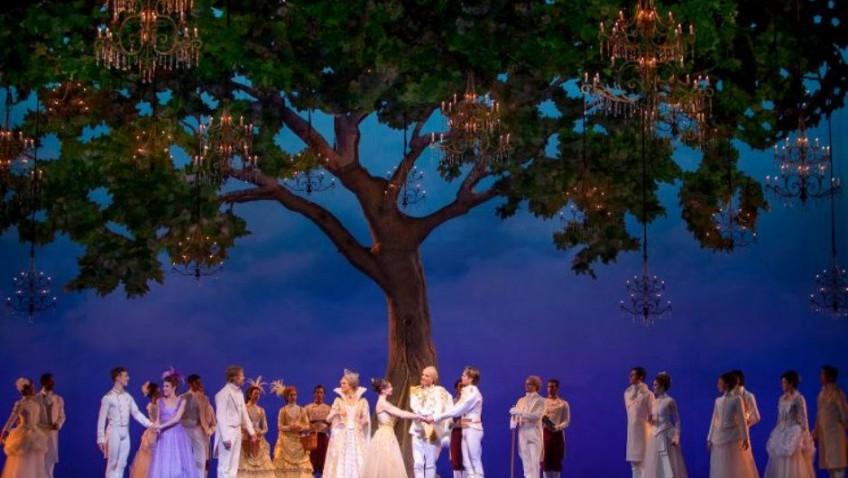 Dutch National Ballet in Christopher Wheeldon's Cinderella