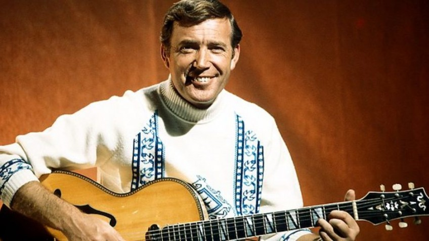 Val Doonican passes away aged 88