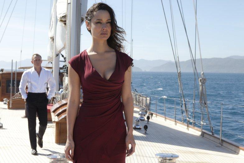Bérénice Marlohe Credit IMDB http://ia.media-imdb.com/images/M/MV5BODk2OTY2MDQ2Ml5BMl5BanBnXkFtZTcwNzEwMjQ0OA@@._V1__SX784_SY689_.jpg