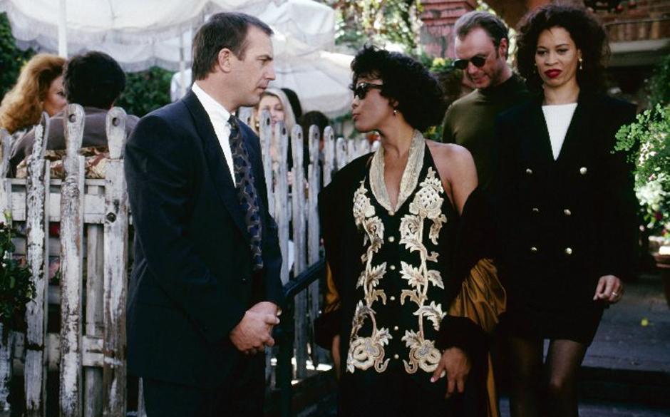 Kevin Costner, Whitney Houston credit IMDB http://ia.media-imdb.com/images/M/MV5BMjMwNzIzMjc1MF5BMl5BanBnXkFtZTgwNTk0Mjg5MTE@._V1._CR0,0,2067,1400.6500244140625__SX709_SY689_.jpg