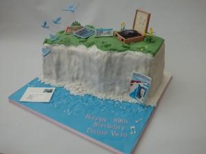 Dame Vera Lynn's birthday cake