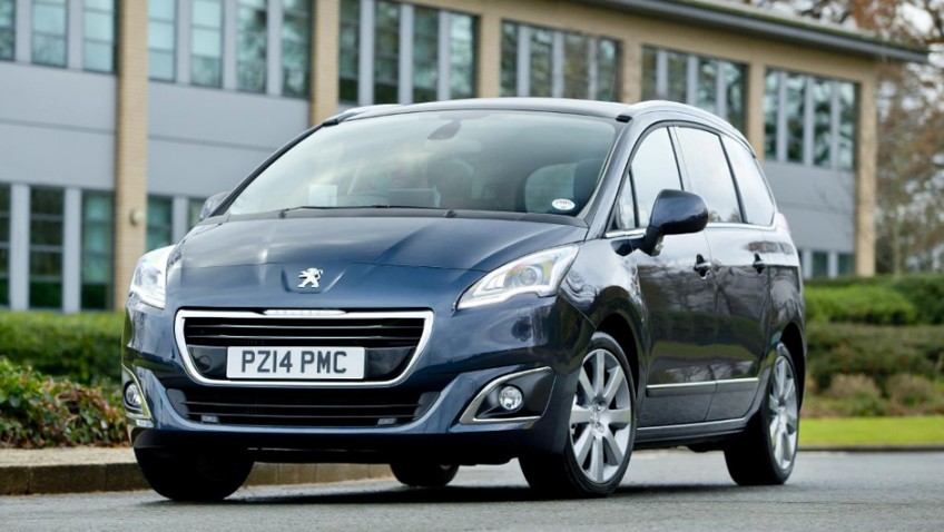 Peter Cracknell reviews the Peugeot 5008
