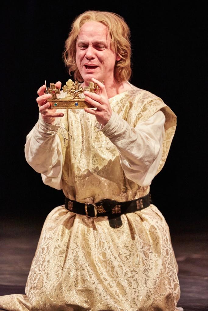 Jamie Ballard (King John). King John at Rose Theatre - Credit Mark Douet