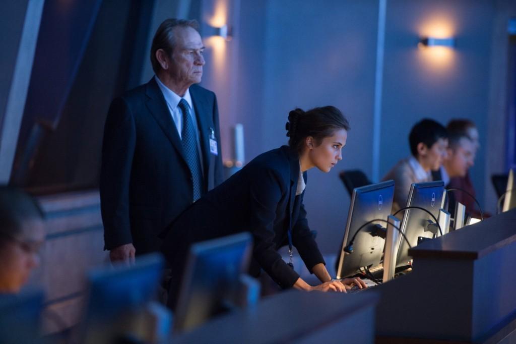 Alicia Vikandar in Jason Bourne
