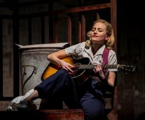 Pixie Lott on strumming guitar