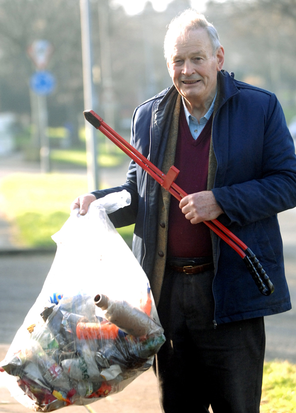 Mike Gibson, 90 - Litter crusade - Copyright Plymouth Herald/SWNS.com - Credit Plymouth Herald/SWNS.com