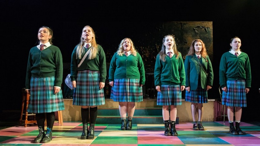 Convent schoolgirls go wild in Edinburgh!