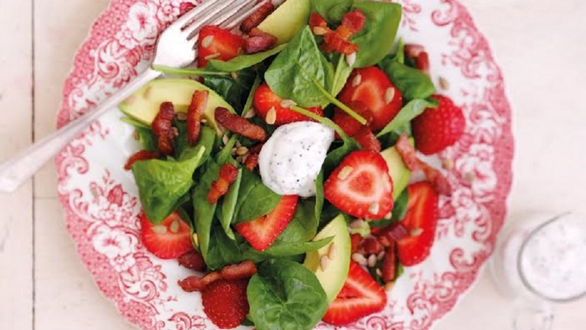 Strawberry, avocado & spinach salad with bacon and poppy seed dressing