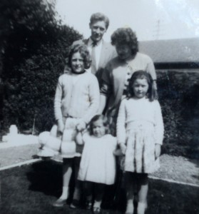 Joan Porter with husband Bill and daughters