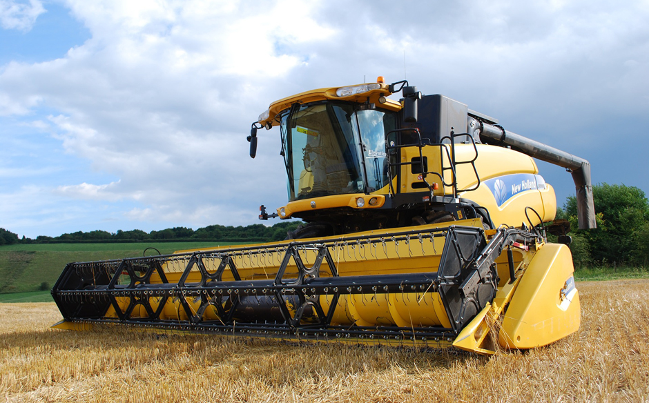 Combine harvester - Food production - Free for commercial use No attribution required - Credit Pixabay