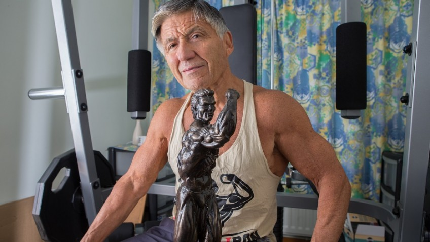Bodybuilder helps people less than half his age