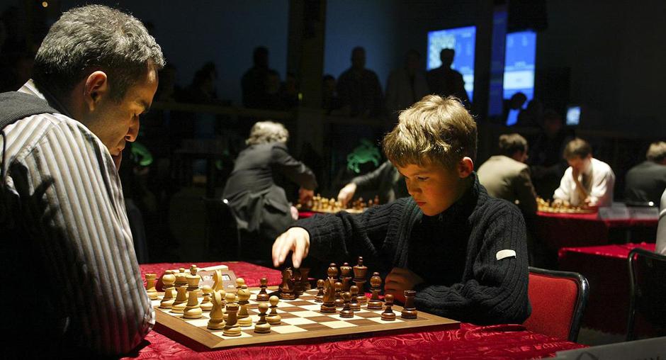 Magnus Carlsen (13) vs Garry Kasparov