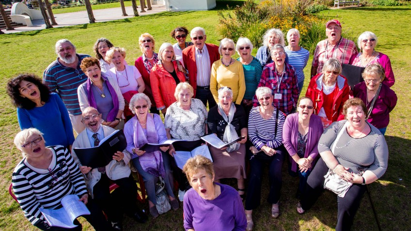 Christmas carol singing season is good news for people with lung conditions