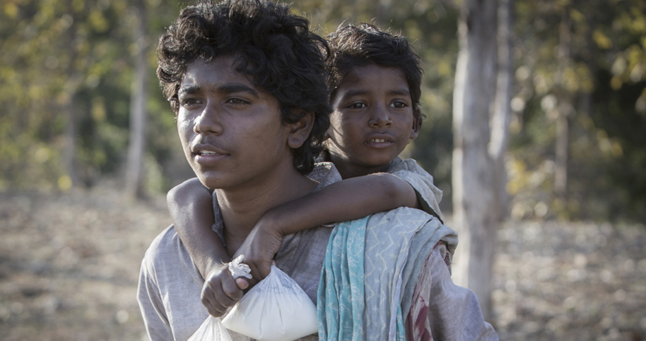 Sunny Pawar and Abhishek Bharate in Lion - Copyright Long Way Home Productions 2015 - Credit IMDB
