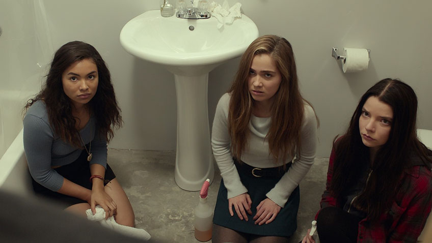 Jessica Sula, Haley Lu Richardson and Anya Taylor-Joy in Split - Credit IMDB
