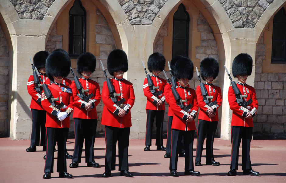 Windsor Castle - Changing of the Guard - Free for commercial use No attribution required - Credit Pixabay