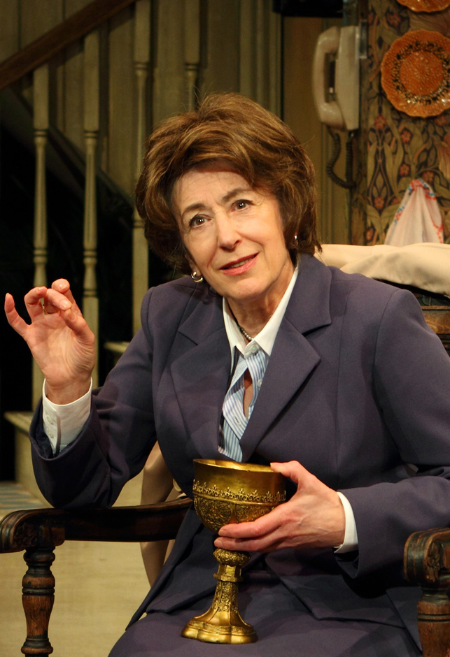 Maureen Lipman in Lettice and Lovage - Credit Catherine Ashmore