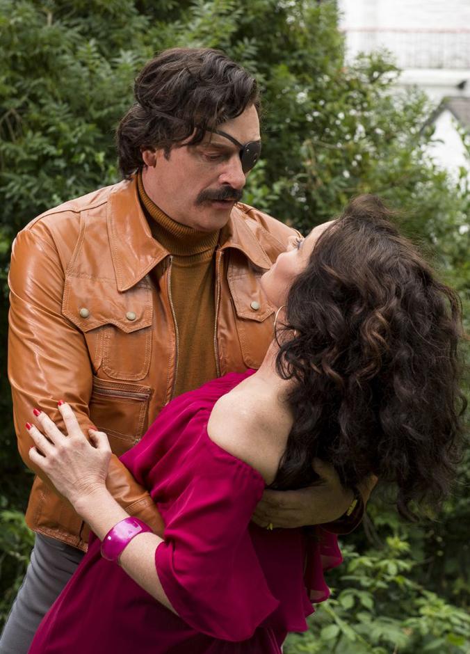 Essie Davis and Julian Barratt in Mindhorn - Credit IMDB