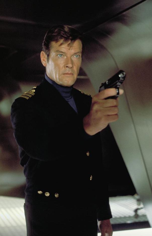 Roger Moore - Credit IMDB