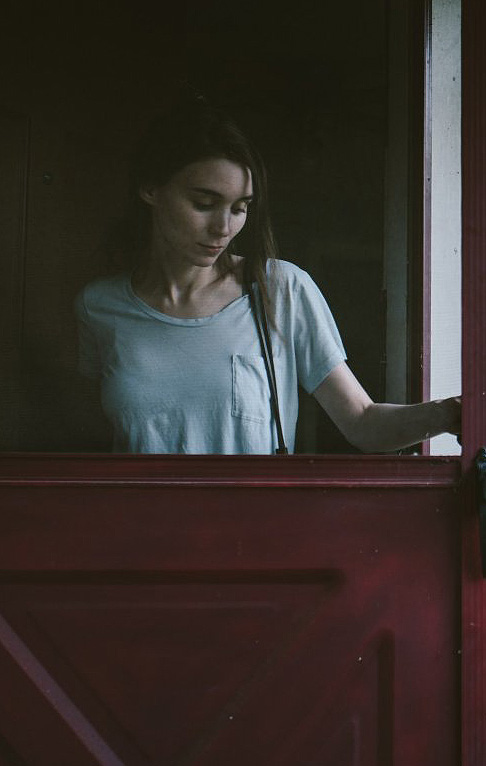 Rooney Mara in A Ghost Story - Credit IMDB