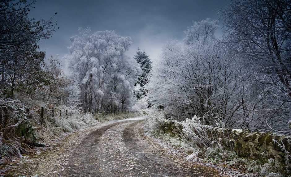 Winter driveway - Free for commercial use No attribution required - Credit Pixabay