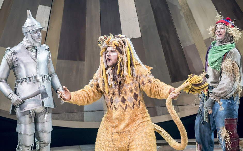Max Parker, Jonathan Broadbent and Andrew Langtree in The Wizard of Oz - Credit Johan Persson