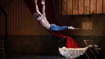 Ivan Vasiliev is the jeune home and he soars