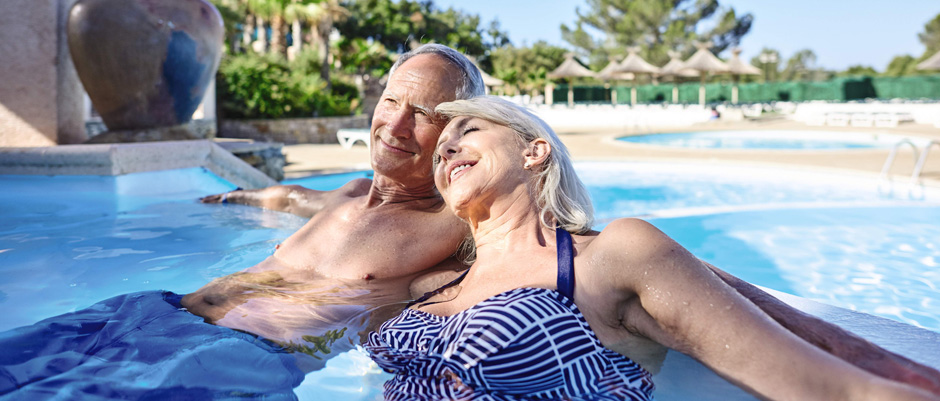 Older couple in hot tub - Silver Travel Adviser January 2018