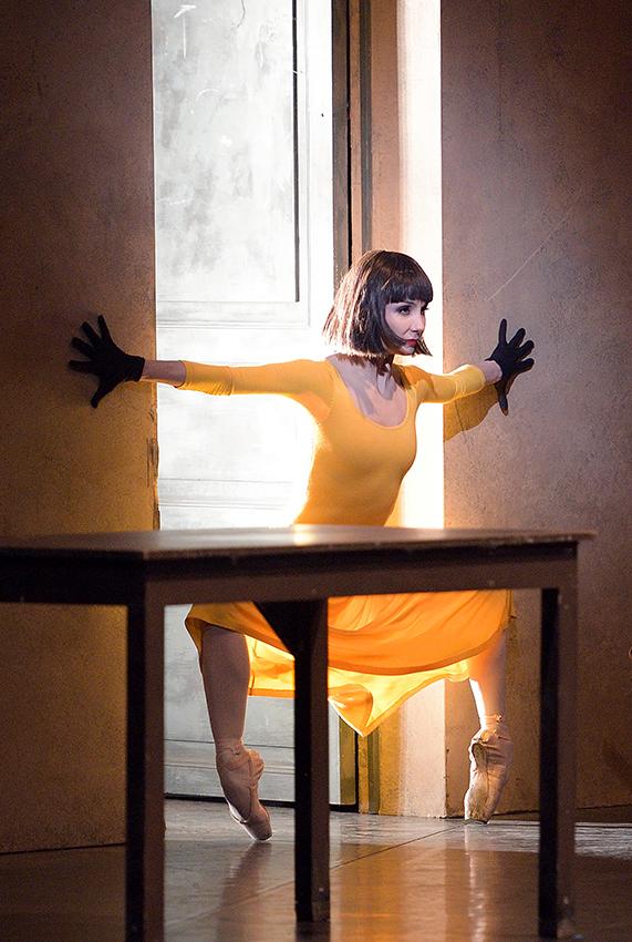Tamara Rojo in Le Jeune Homme et la Mort - Copyright Laurent Liotardo