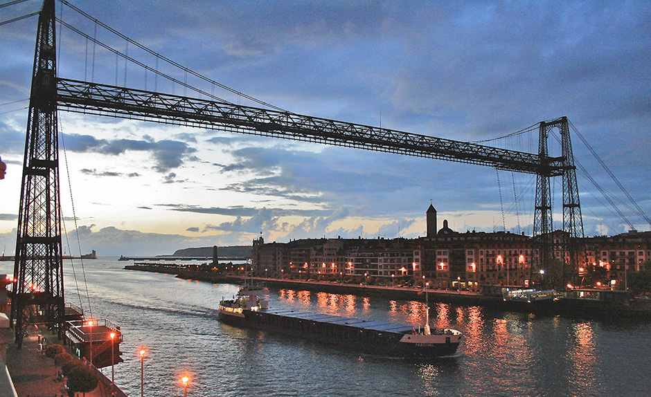 Vizcaya Bridge - World's oldest transporter bridge - Bilbao - Free for commercial use No attribution required - Credit Pixabay