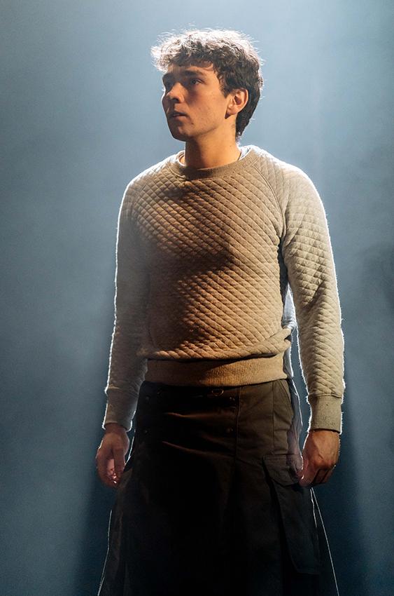 Jake Davies in The Divide - Credit Manuel Harlan