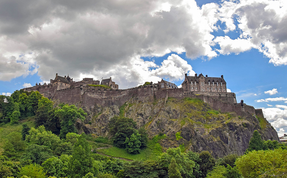 Edinburgh Castle - Scotland - Free for commercial use No attribution required - Credit Pixabay