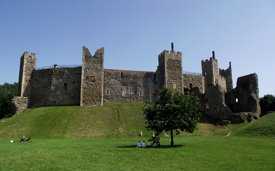 Framlingham Castle - Suffolk - Free for commercial use - No attribution required - Credit Pixabay