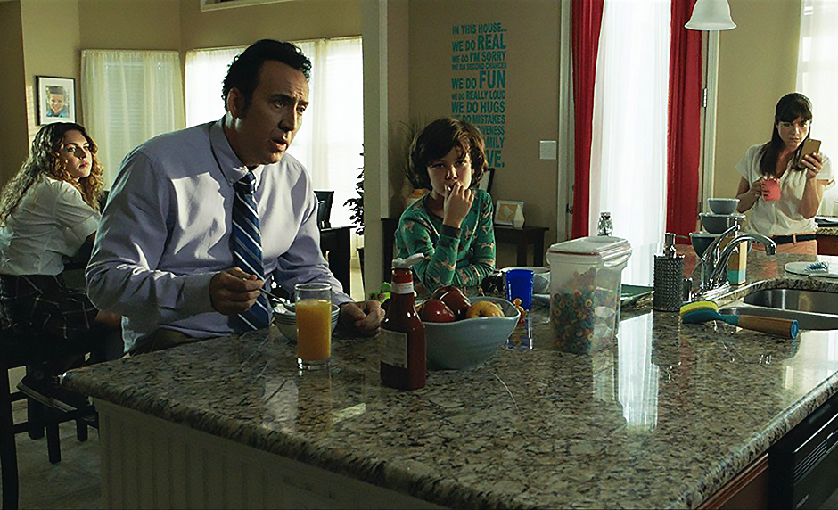Nicolas Cage, Selma Blair, Anne Winters, and Zackary Arthur in Mom and Dad - Credit IMDB