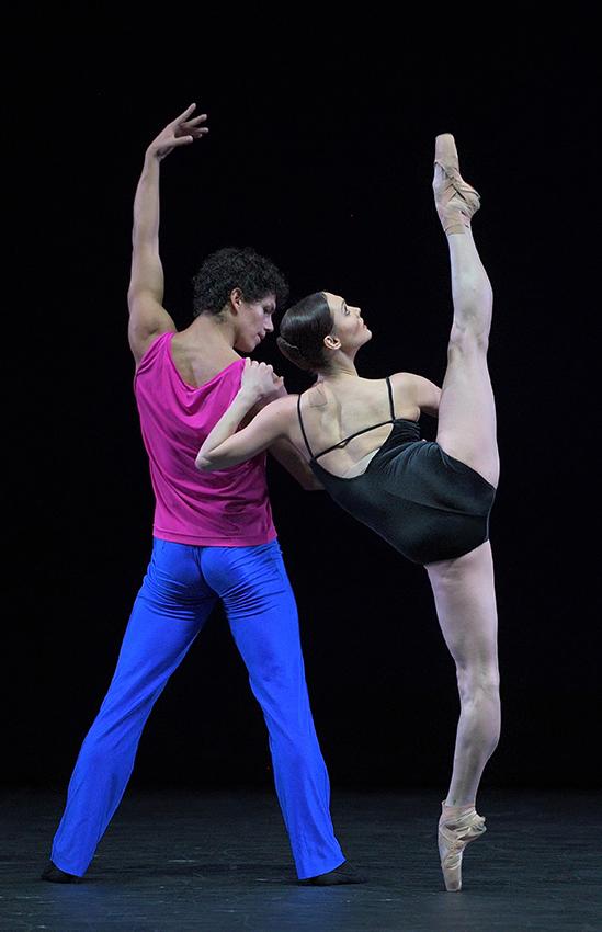 Jurgita Dronina and Isaac Hernandez in Approximate Sonata 2016 - Credit Laurent Liotardo