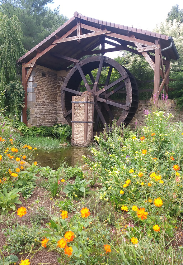 Water wheel in French Gardens
