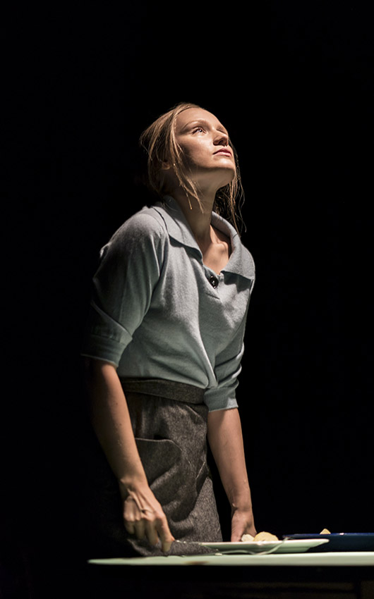 Emily Berrington in Machinal - Credit Johan Persson