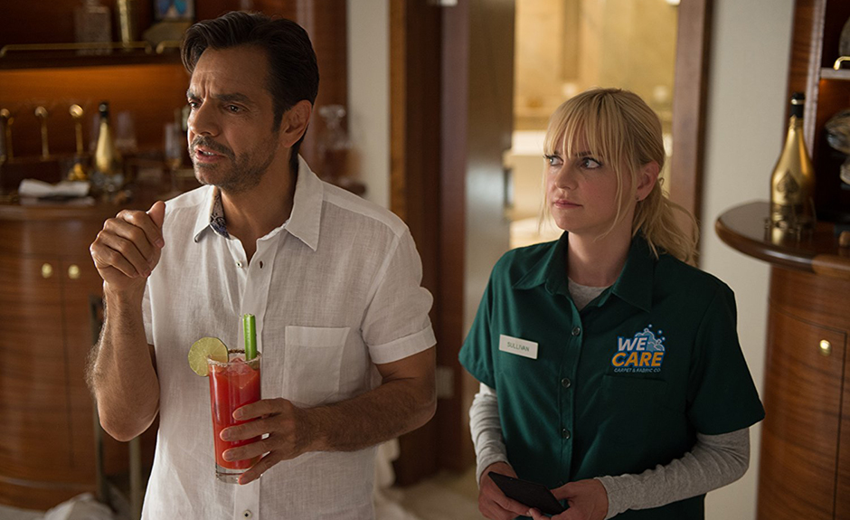 Eugenio Derbez and Anna Faris in Overboard - Photo by Diyah Pera - Credit IMDB