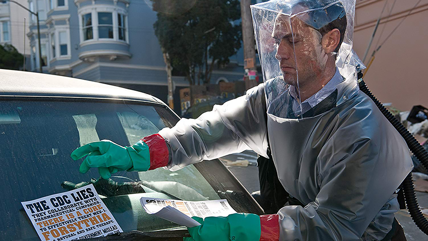 Jude Law in Contagion - Photo by Claudette Barius - © 2011 Warner Bros. Entertainment Inc. - Credit IMDB