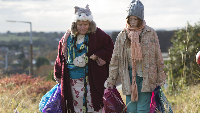 Joanna Scanlan and Lily Newmark in Pin Cushion - Credit Piers McCarthy