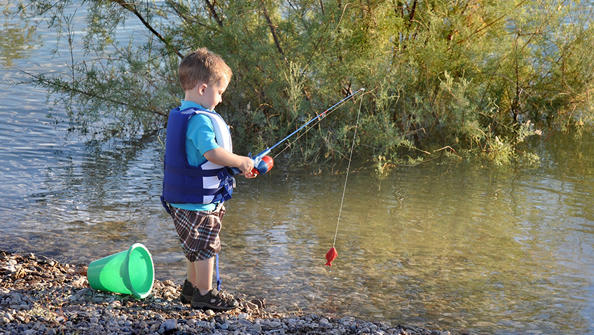 Child fishing - Free for commercial use - No attribution required - Credit Pixabay