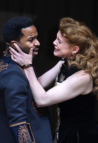 André Holland and Jessica Warbeck in Othello - Credit Simon Annand