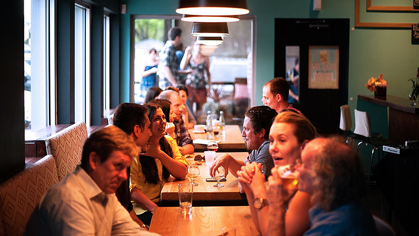 Socialising at a restaurant - Free for commercial use - No attribution required - Credit Pixabay