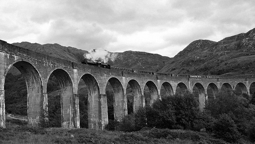 Train - Bridge - Scotland - Free for commercial use - No attribution required - Credit Pixabay