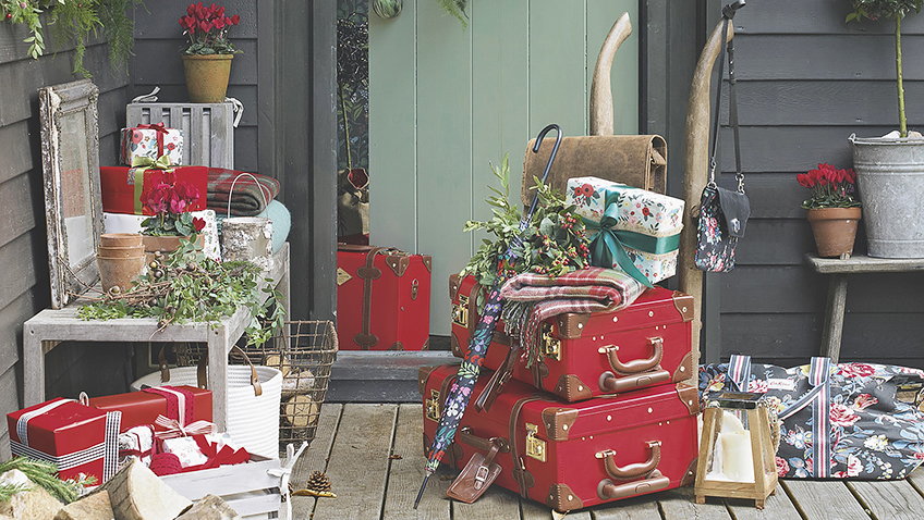 Win a pair of tickets to the Country Homes & Interiors Christmas event
